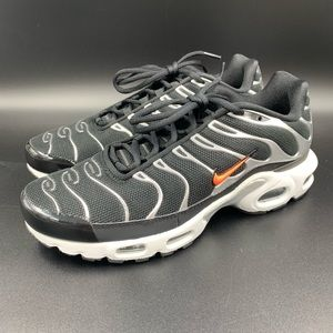 Nike Air Max Plus TN SE  sneakers. Men's Size 8.5.